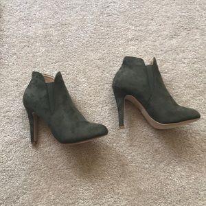 Bell Marie olive green bootie heels